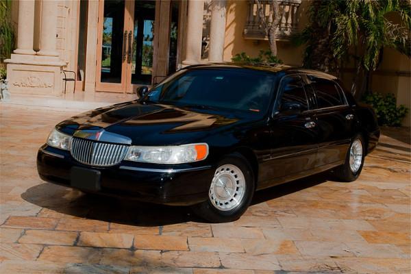 Lincoln Sedan Orlando Florida Rental